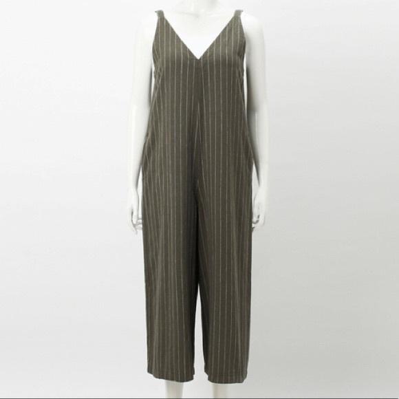 1e672ba02975 Uniqlo Linen Rayon Sleeveless Jumpsuit Green Grey